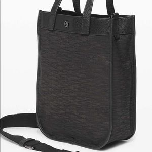 ⭐️HOST PICK⭐️ Lululemon Now And Always Tote 8L